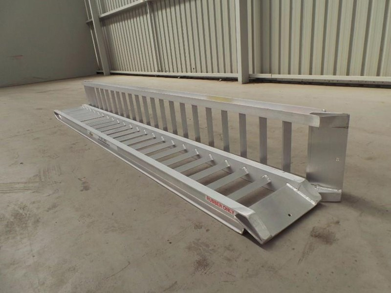 workmate 1.5 ton alloy loading ramps 10081 003
