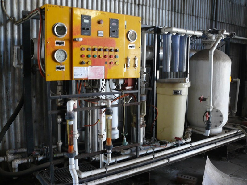 other dairy processing equipment - various stainless steel items. 392596 005