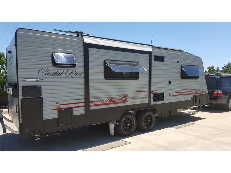universal caravans 24ft crystal river 393127 002