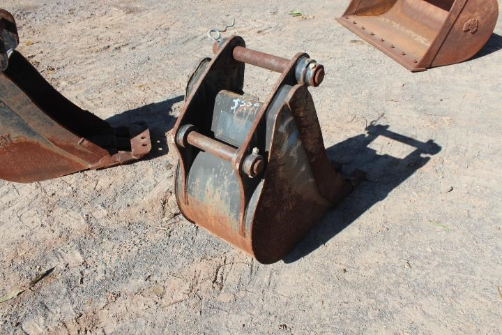 caterpillar 450mm backhoe bucket 393115 003