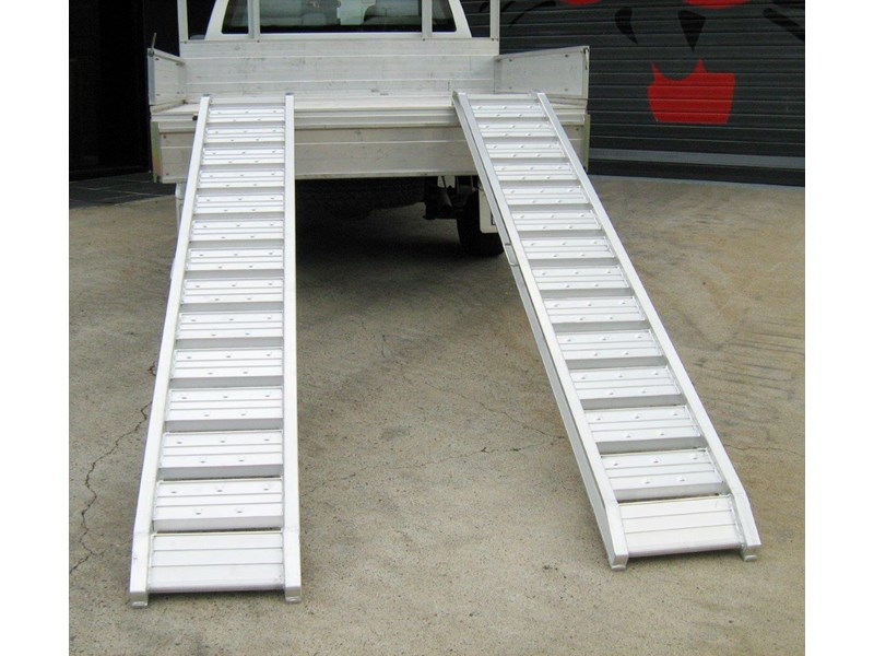 rhino 1800.kg aluminium loading ramps - kanga / dingo / bobcat / skid steer loading ramps [attramp] 394515 004