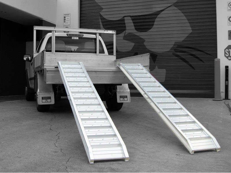rhino 1800.kg aluminium loading ramps - kanga / dingo / bobcat / skid steer loading ramps[attramp] 394522 002