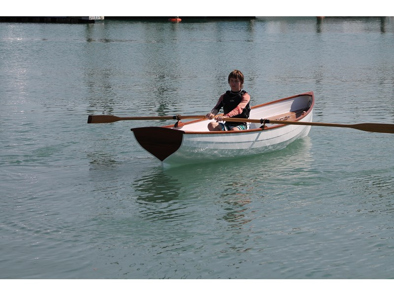 whitehall pulling/rowing boat 395615 001