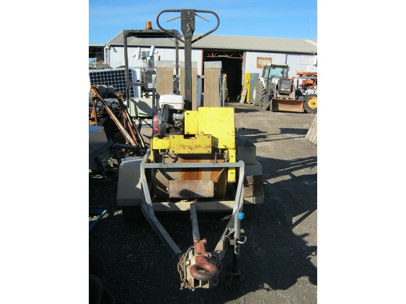 wacker neuson walk behind roller with plant trailer 395251 006