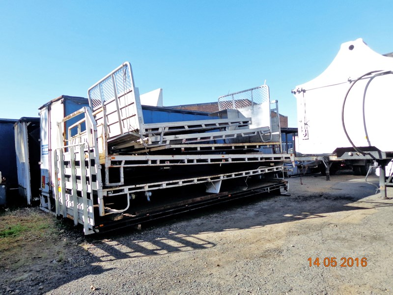 truck trays various sizes 18383 002
