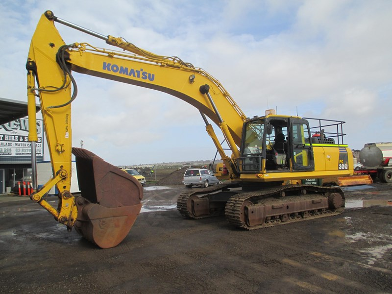 komatsu pc300-8 (also available for hire) 396289 001