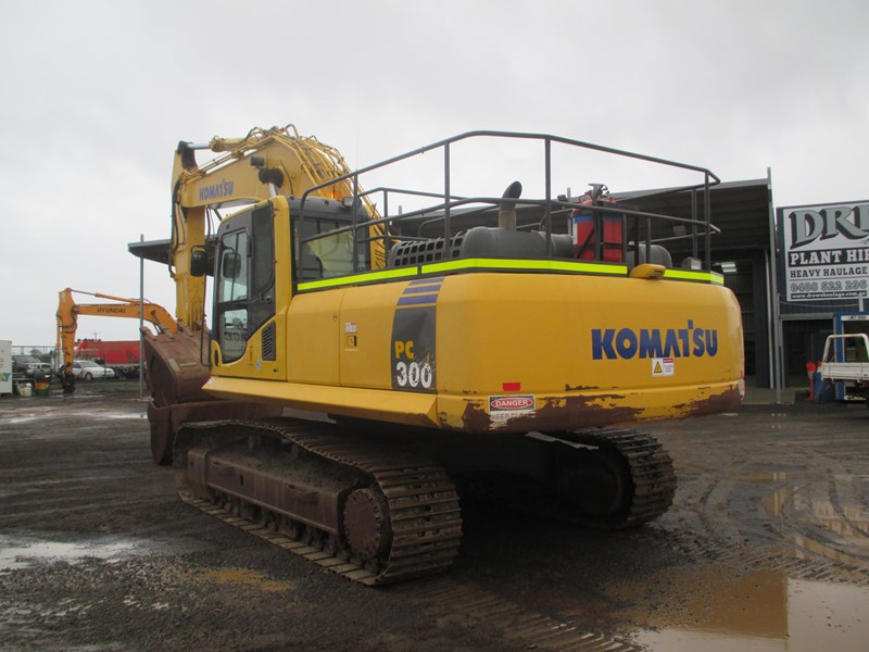 komatsu pc300-8 (also available for hire) 396289 008