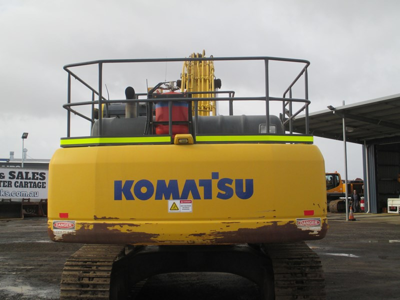 komatsu pc300-8 (also available for hire) 396289 010