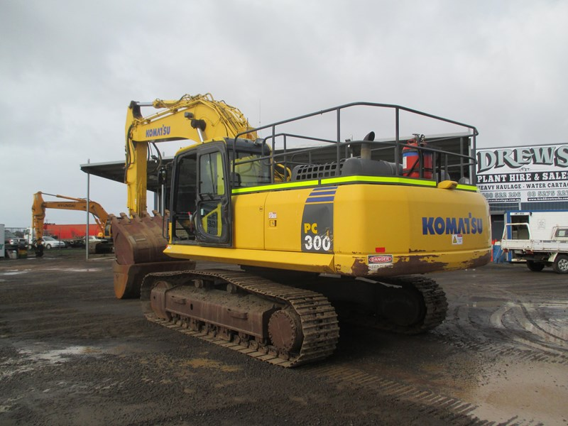 komatsu pc300-8 (also available for hire) 396289 011