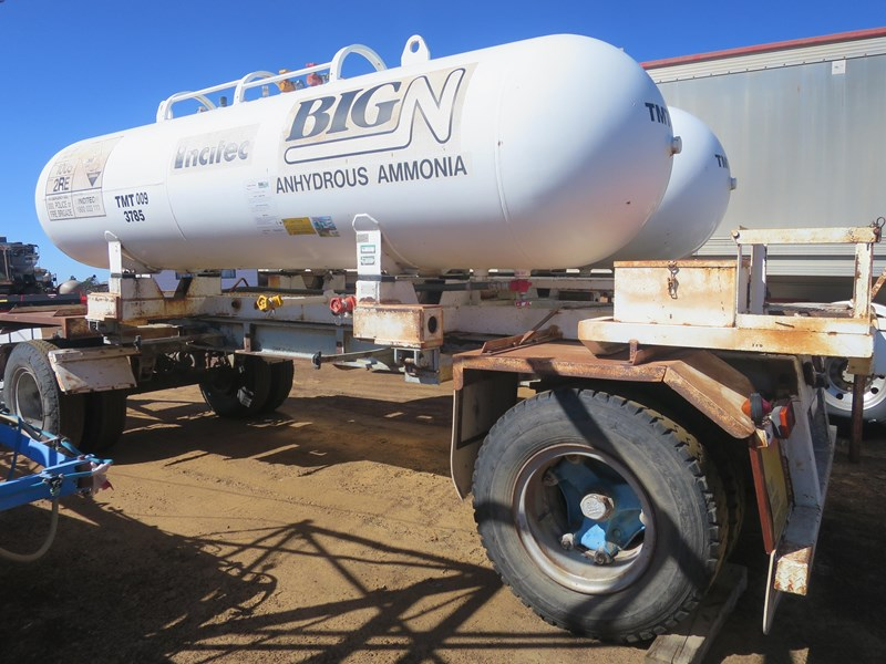 unknown fitted with 2 x anhydrous ammonia tanks 397092 004