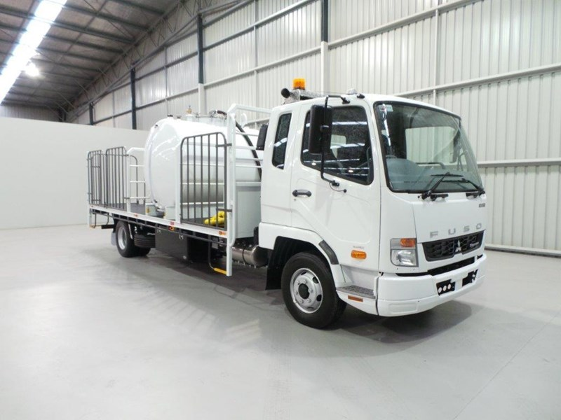 fuso fighter 1024 399108 007