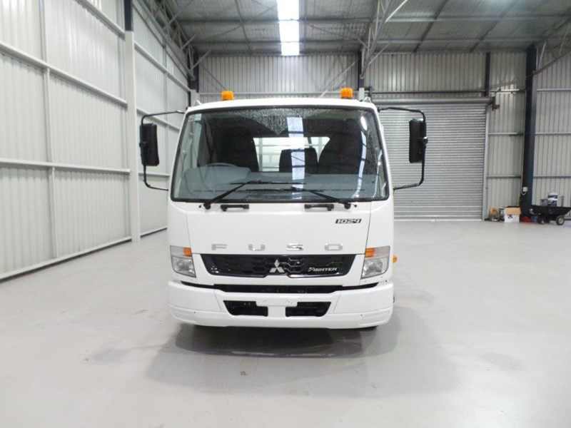 fuso fighter 1024 399108 008