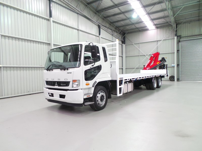 fuso fighter 2427 399212 001