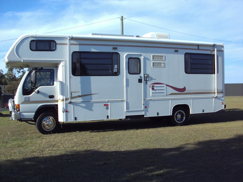 winnebago (avida) alpine 399422 001