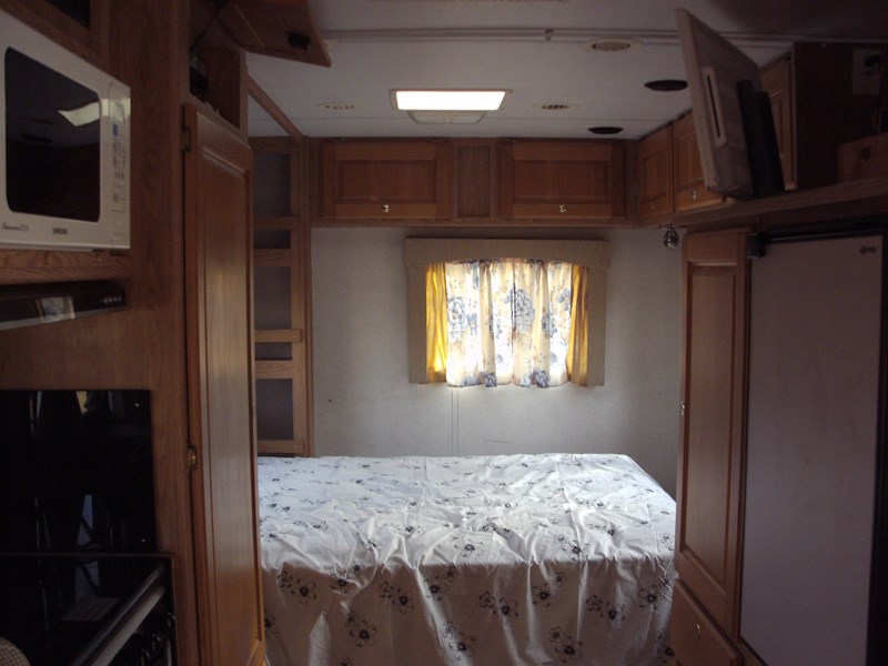 winnebago (avida) alpine 399422 012