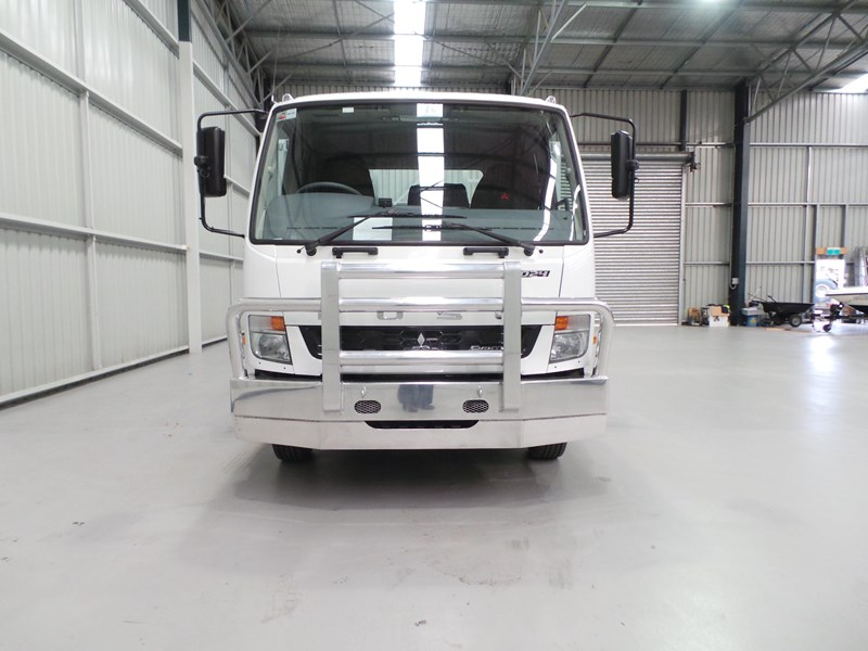 fuso fighter 1024 399406 008