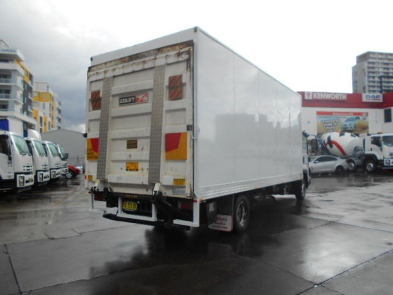 isuzu frr600 long 395390 007