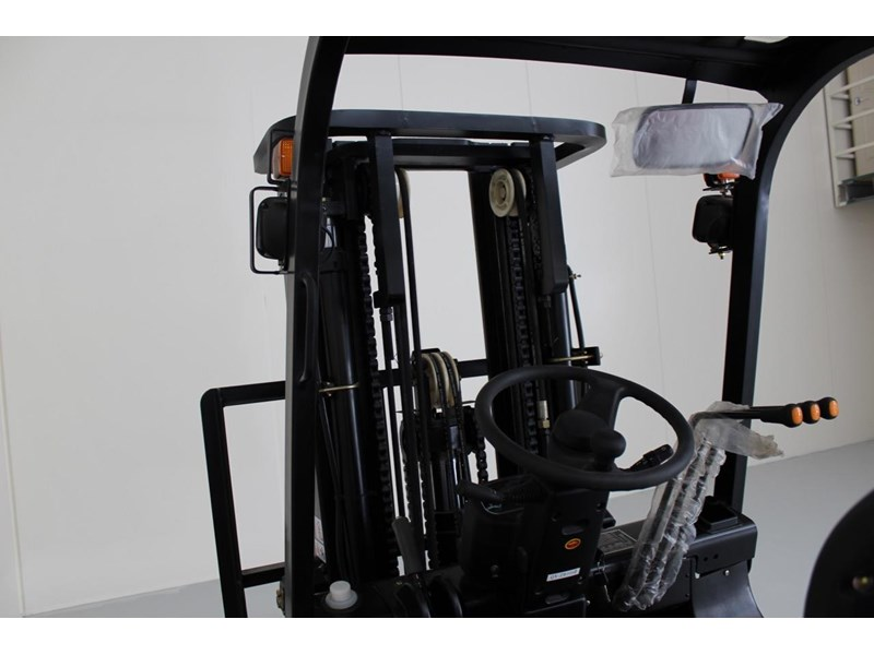 wecan diesel forklift with 3 stage container mast 403386 007