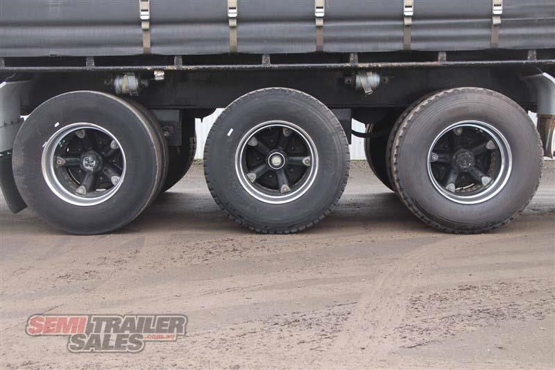 maxitrans 45ft curtainsider road train rated semi trailer 404328 008