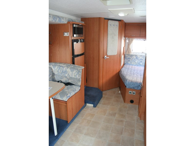 winnebago (avida) freewind 407468 007