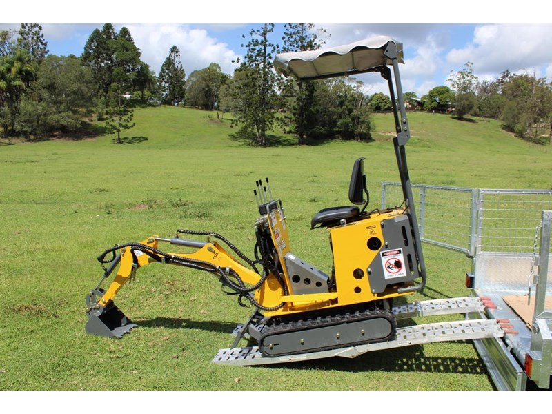 ozziquip mini digger tiger 407811 002