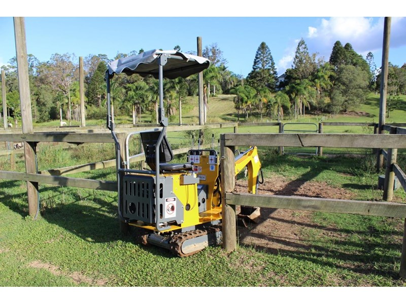 ozziquip mini digger tiger 407811 020