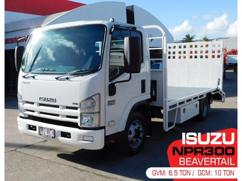 isuzu npr300 medium 408079 001