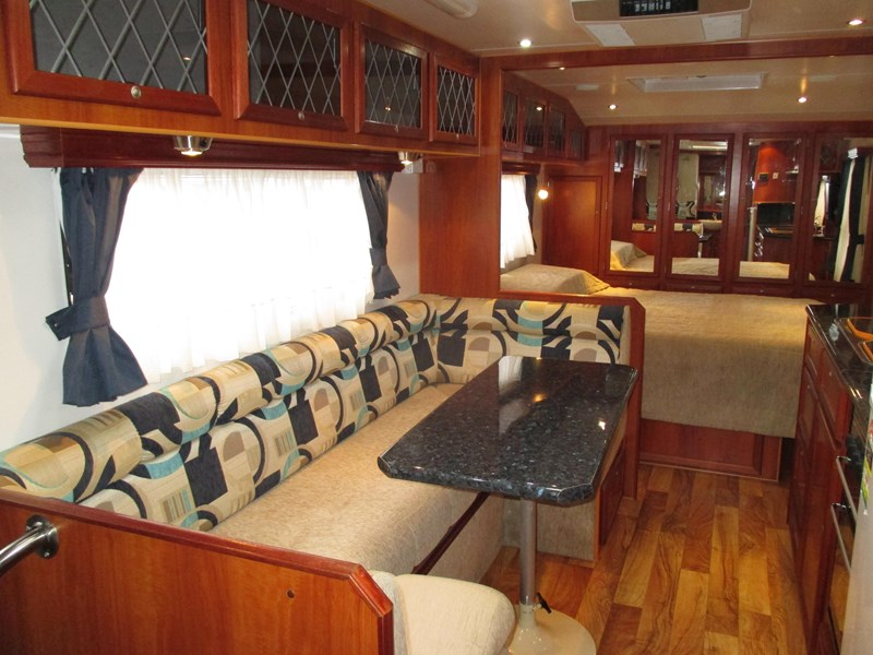 traveller penthouse semi off road 24'..full ensuite...sold... 408943 024