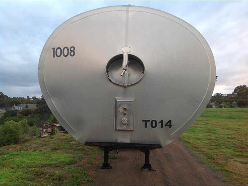 byford triaxle stainless water tanker 404915 003