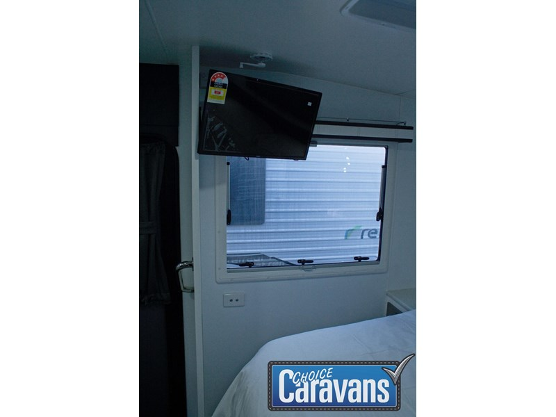 retreat caravans hamilton 410201 022