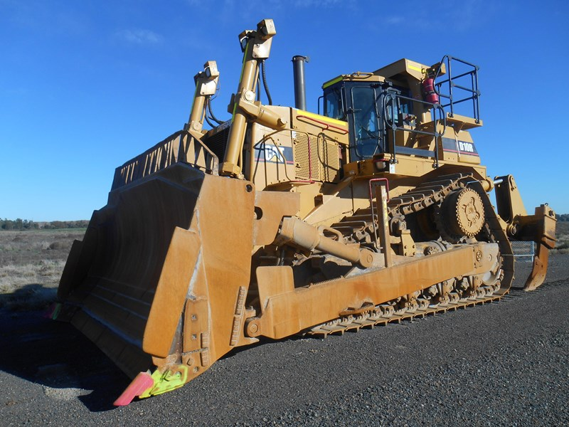 caterpillar d10r dozer 110327 003