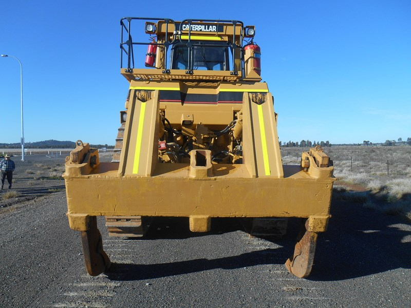 caterpillar d10r dozer 110327 006
