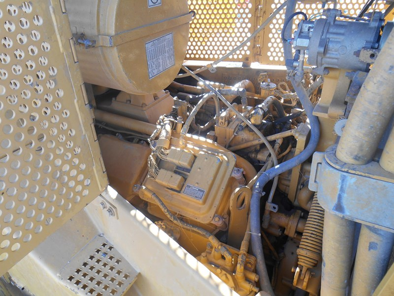 caterpillar d10r dozer 110327 020