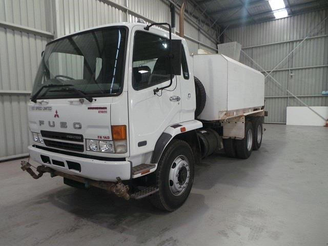 mitsubishi fn600 12000 litre 6x4 water truck 410275 001