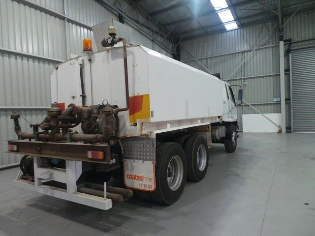mitsubishi fn600 12000 litre 6x4 water truck 410275 005