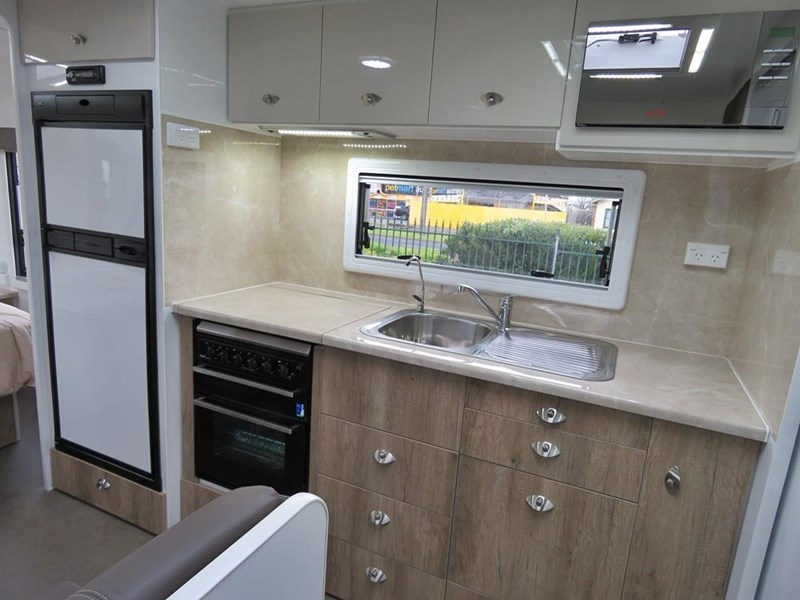 river caravans diamantina 411334 009