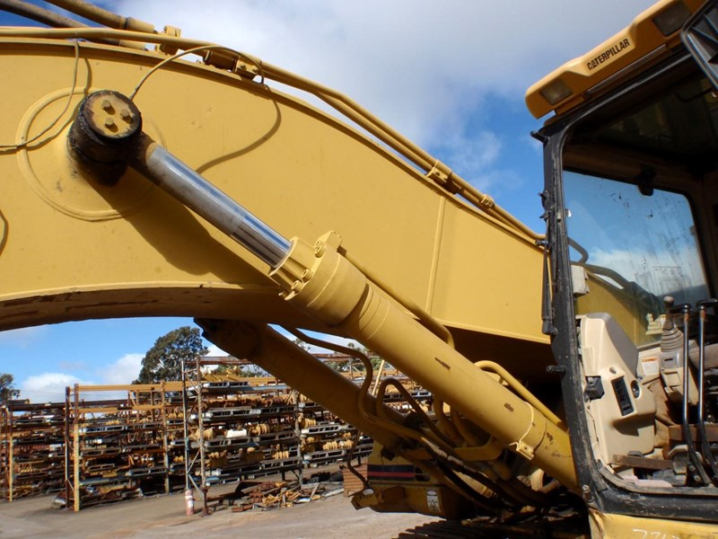 caterpillar 330bl 402844 014
