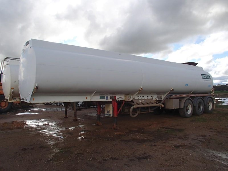 marshall lethlean tri axle water tanker 413333 001