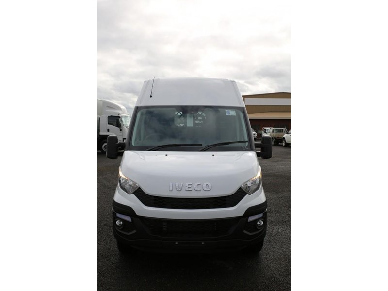 iveco daily 35s13 413442 002
