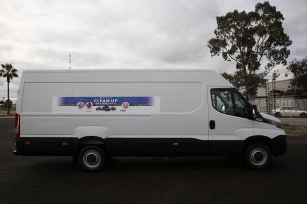 iveco daily 35s13 413442 005