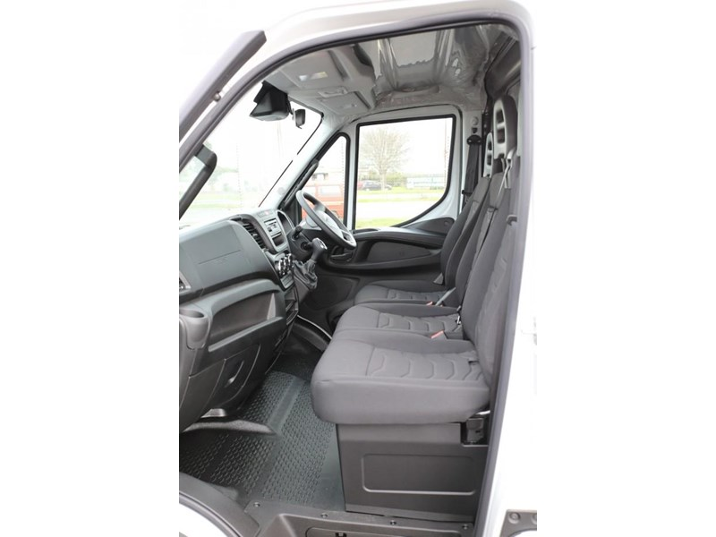 iveco daily 35s13 413442 013