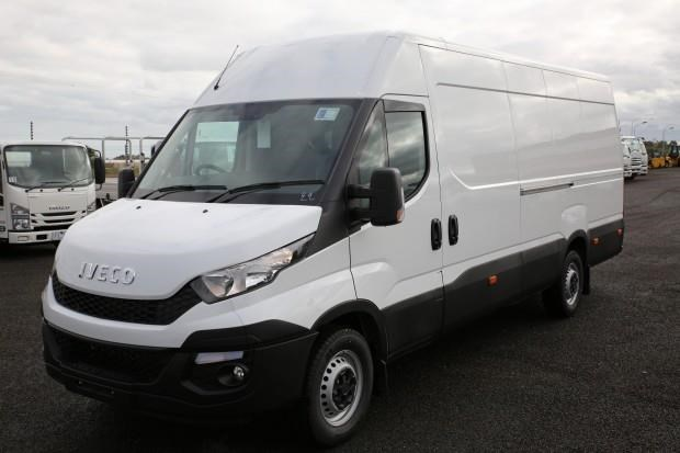 iveco daily 35s13 413442 015