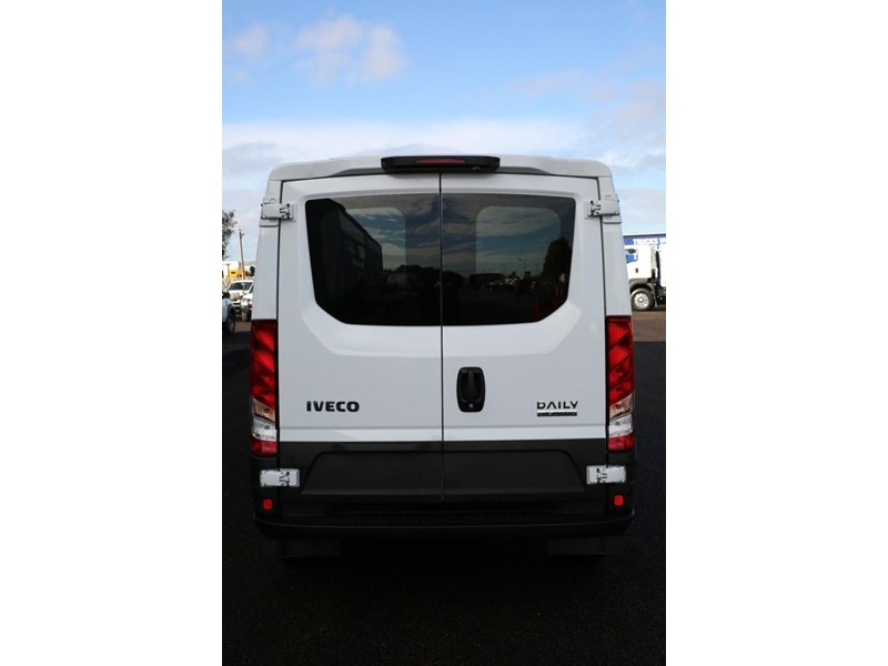 iveco daily 35s13 413447 011