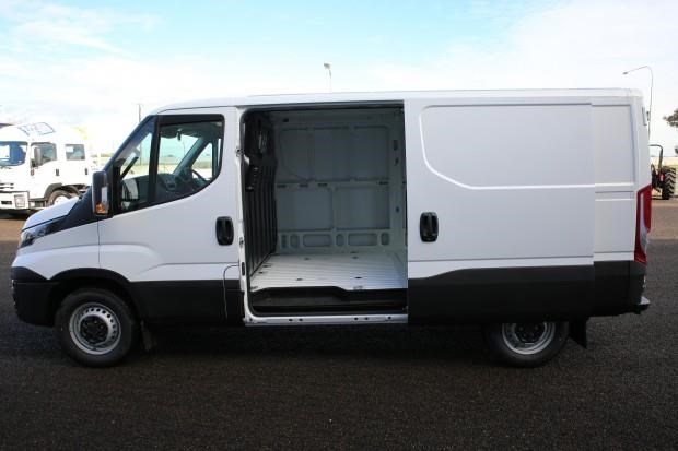 iveco daily 35s13 413447 021