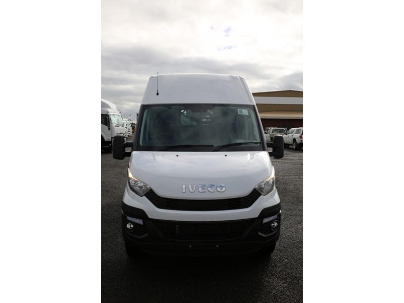 iveco daily 35s13 413449 004