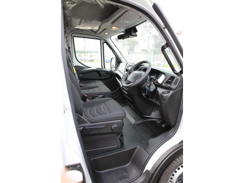 iveco daily 35s13 413449 005