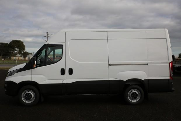 iveco daily 35s13 413449 008