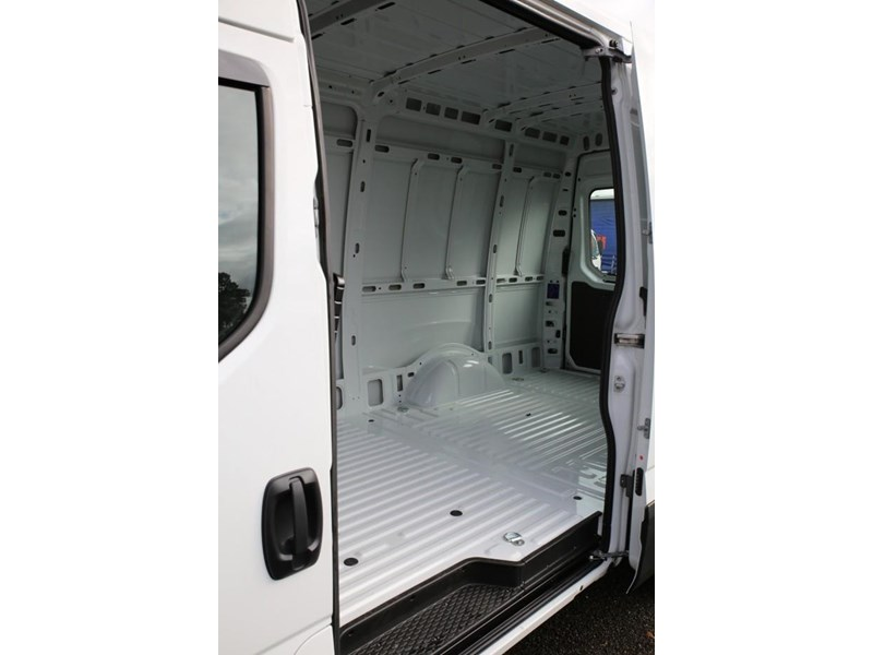 iveco daily 35s13 413449 010