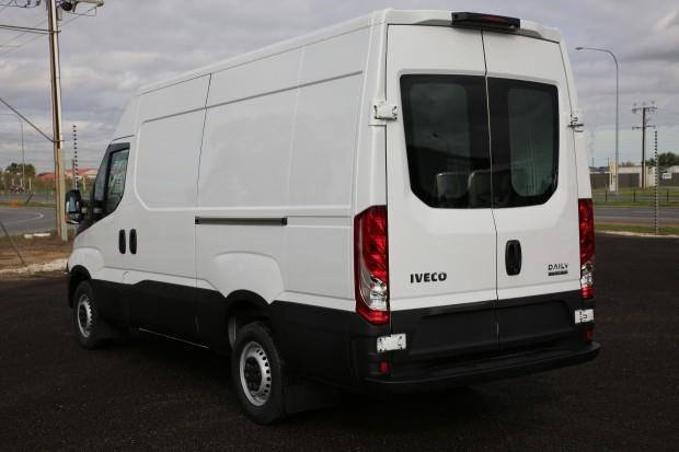iveco daily 35s13 413449 011