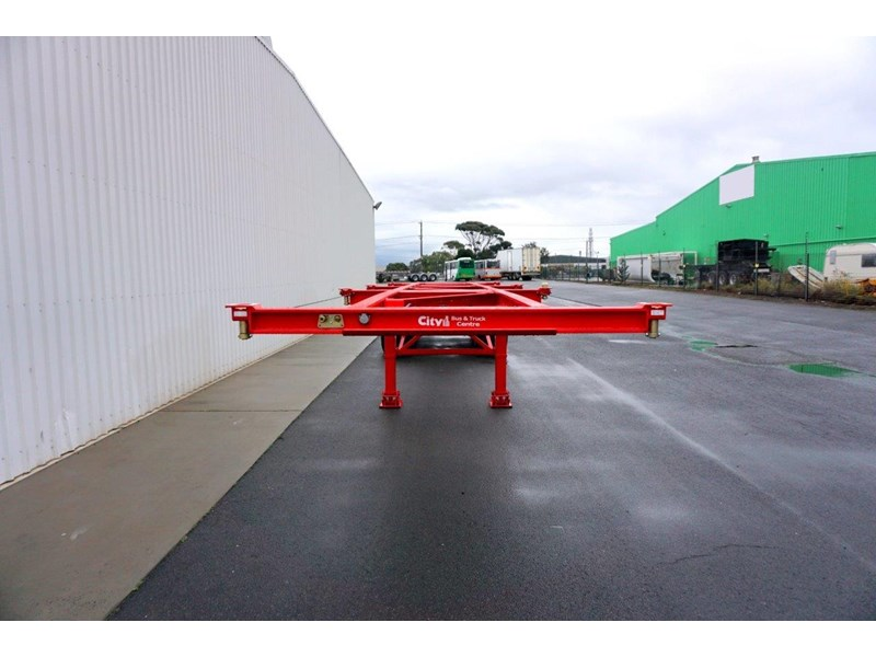 cbtc australian made tri-axle retractable skel trailers 413709 004
